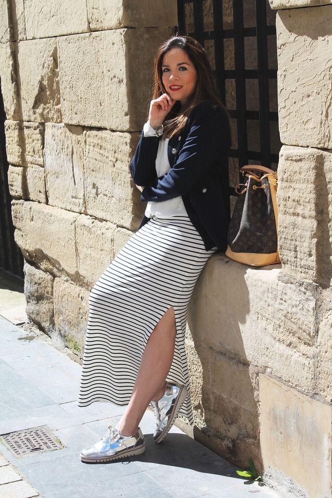 Look con falda larga marinera - Temporada: Primavera-Verano - Tags: falda marinera, mocasin plateado, blazer militar, fashionblogger, throughmycloset,  - Descripción: http://www.throughmycloset.com/2016/04/look-con-falda-larga-marinera.html