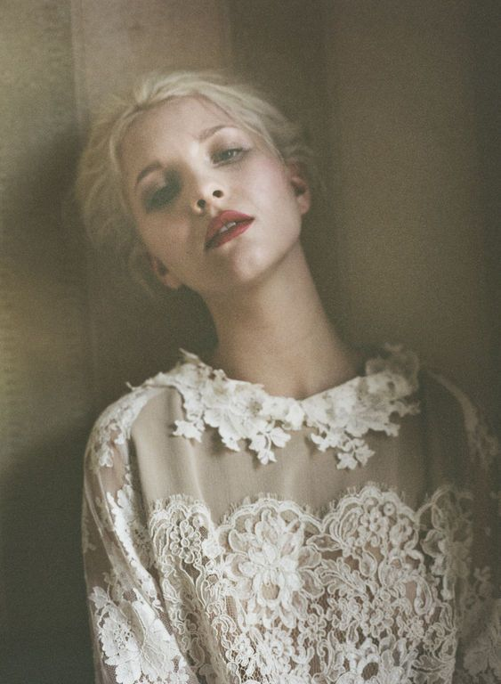 lace / moody: Boho Chic, Lace Blouses, Romantic Hair, Red Lips, Dark Lips, Lace Collars, White Lace, Fashion Portraits, Lace Shirts