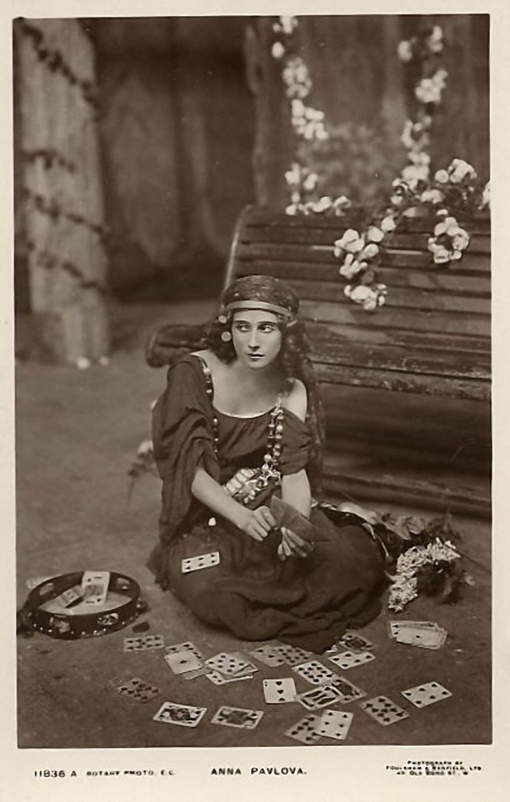 Anna Pavlova and her cards.