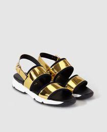 Sandalias planas de mujer Sixty Seven doradas