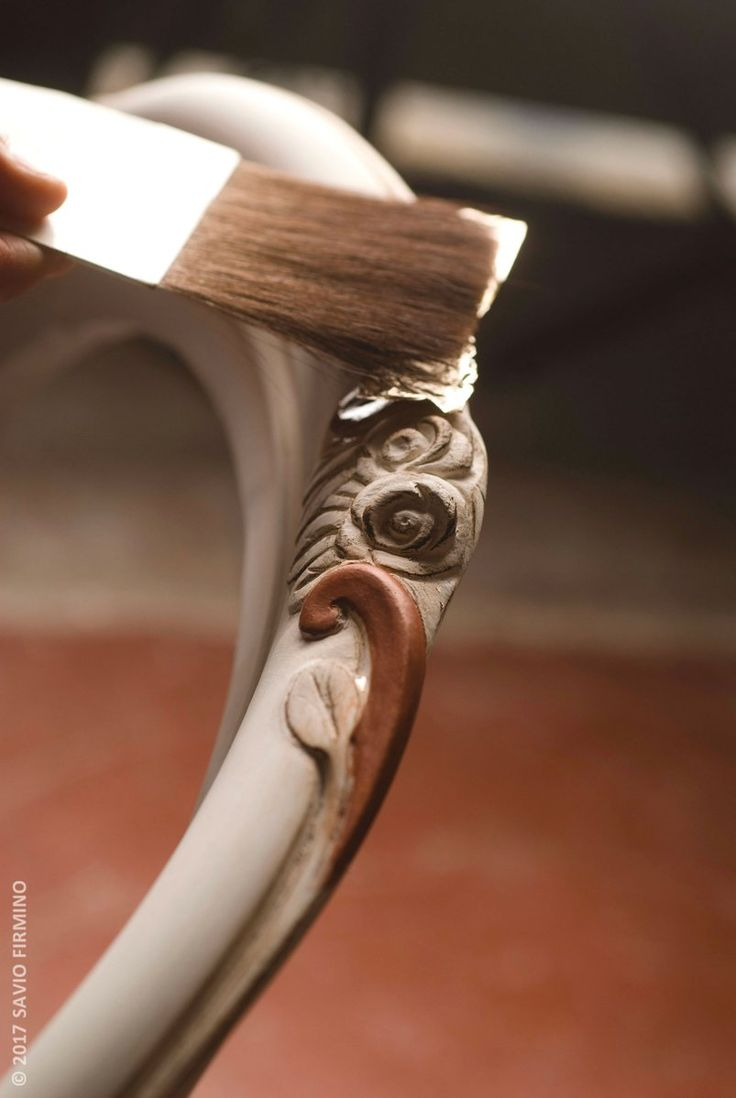Our #artisans use brushes or historic tools to realize all the unique finishes #craftsmanship #gold #luxury