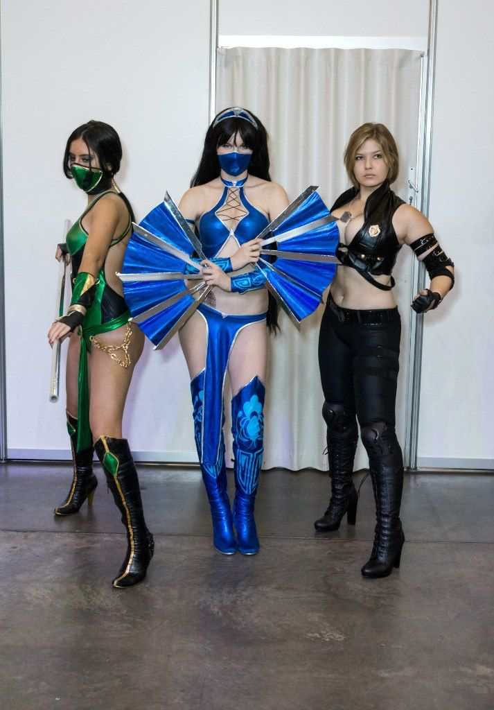Busty Legends Kitana