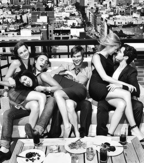 Blair, Chuck, Vanessa, Nate, Serena and Dan