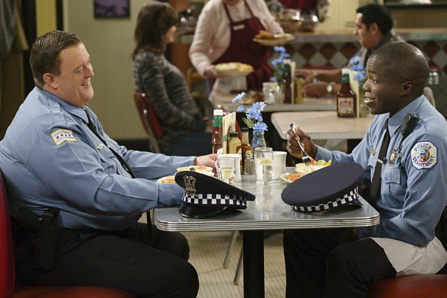 Reno Wilson and Billy Gardell in Mike & Molly (2010)