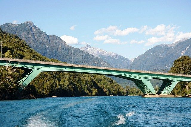 Ponte sobre o Rio Puelo, Chile