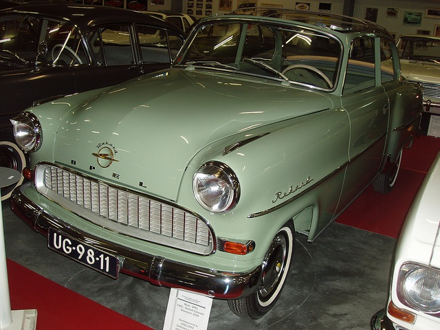 Opel rekord opel pinterest pools and photos for Garage opel bouc bel air
