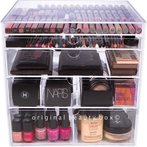 Brand new to the line up is our PRO BEAUTY BOX, the largest organizer in our collection! It is perfect for makeup lovers as well as professional artists who have a large collection. It features five d