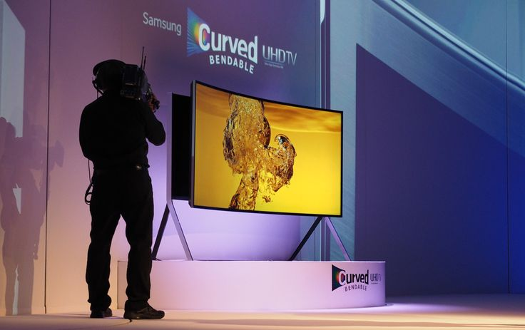 Samsung's latest 105-inch UHD TV isn't just curved: it bends too! 4KTV Ultra HD