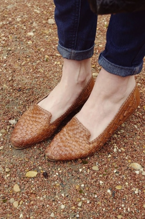leather slippers: Baskets Leather, Leather Loafers, Woven Flats, Flats Shoes Loafers, Baskets Shoes, Woven Loafers, Braids Leather, Brown Flats, Leather Slippers