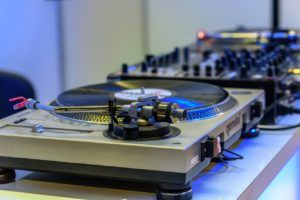 The Benefits of Audio Mastering and Mixing Online