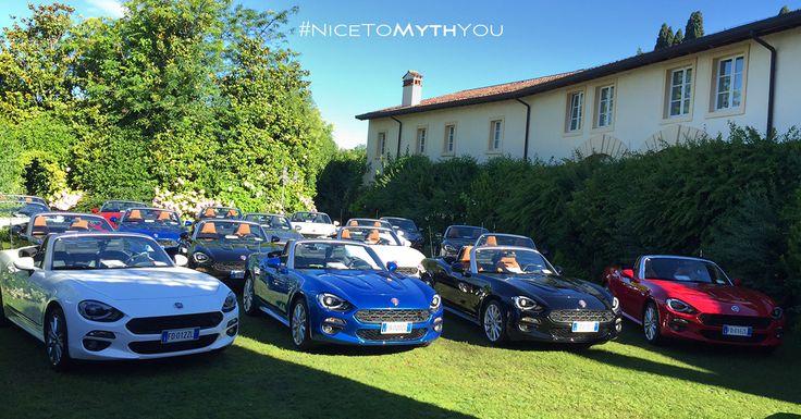 Biały, niebieski, czarny czy czerwony? W jakim kolorze najbardziej spodobał Wam się #Fiat124Spider?