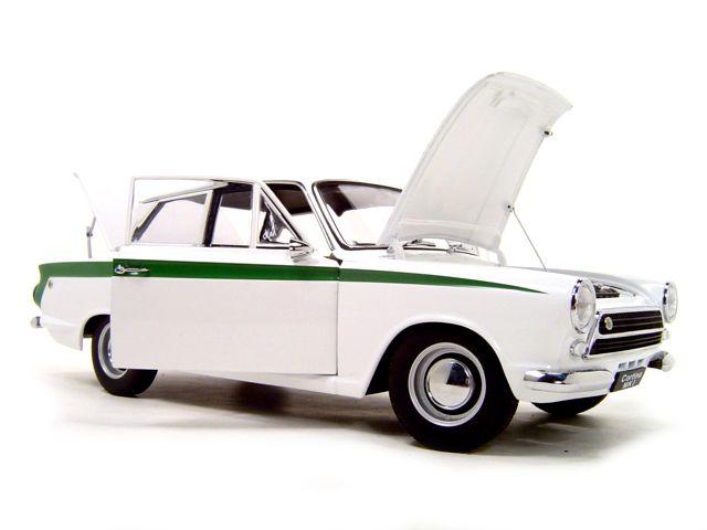 35 best images about model cars on pinterest rolls royce phantom 2 models and mk1. Black Bedroom Furniture Sets. Home Design Ideas