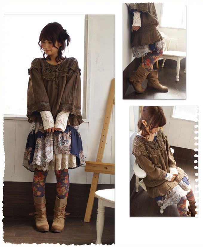 【楽天市場】(カーキブラウン) cawaiiオリジナル。進化した風鈴。手編みレースの魅力。贅沢な透け感を楽しむ。風鈴のようなシルエットのオシャレトップス  裾にゴムが入っていてたるんとなるシルエット。(メール便不可) 森ガ-ル☆:ワンピース専門店 Cawaii