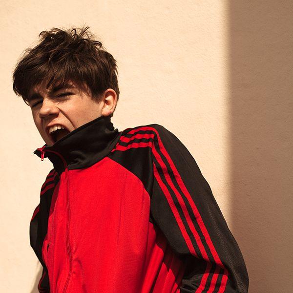 Declan McKenna reveals third single 'Bethlehem' & announces UK headline shows...WithGuitars