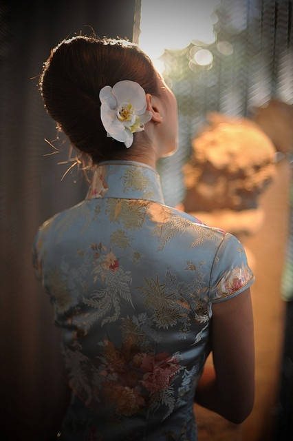 Beautiful blue silk on a qipao...