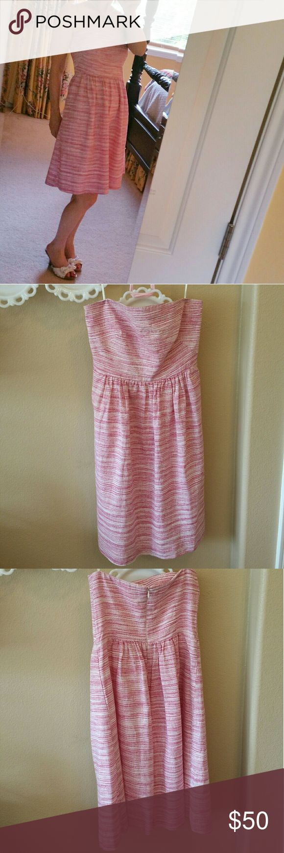 BANANA REPUBLIC SUMMER STRAPLESS DRESS This BANANA REPUBLIC STRAPLESS DRESS is fully lined and perfect for dressing up or down. The pink dress is made of cotton and linen and is a figure-flattering design. Banana Republic Dresses Strapless