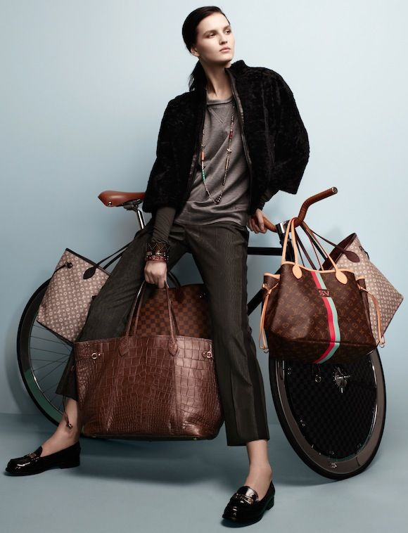 Louis Vuitton. Nevefull bag GM in chocolat crocodile.