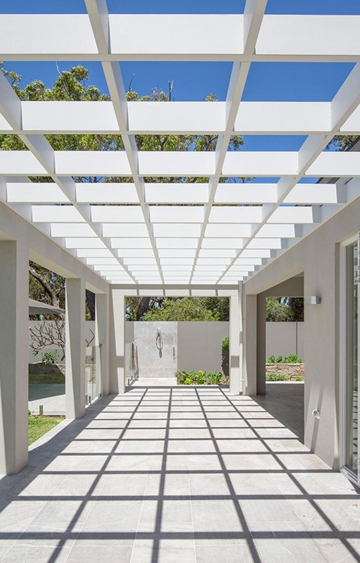 Geometric lines #perthbuilder #pertharchitecture #luxurybuilder #luxuryhomes #architecture #minimalist #minimalistarchitecture #outdoorstyle #landscaping #homedesign