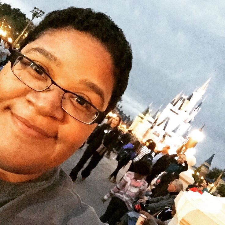 RWA Board Member and author, Farrah Rochon, shares tips with Elle Mason about attending #RWA17, RWA's Annual Conference, and visiting Walt Disney World. #farrahrochon #SwanandDolphin #WaltDisneySwanandDolphinResort #RWA17 #WDW #WaltDisneyWorld #DisneyPlanningGuide #DisneyParks #DisneyResorts #RWA #RWAAnnualConference #RomanceAuthors #Authors #RomanceWritersofAmerica