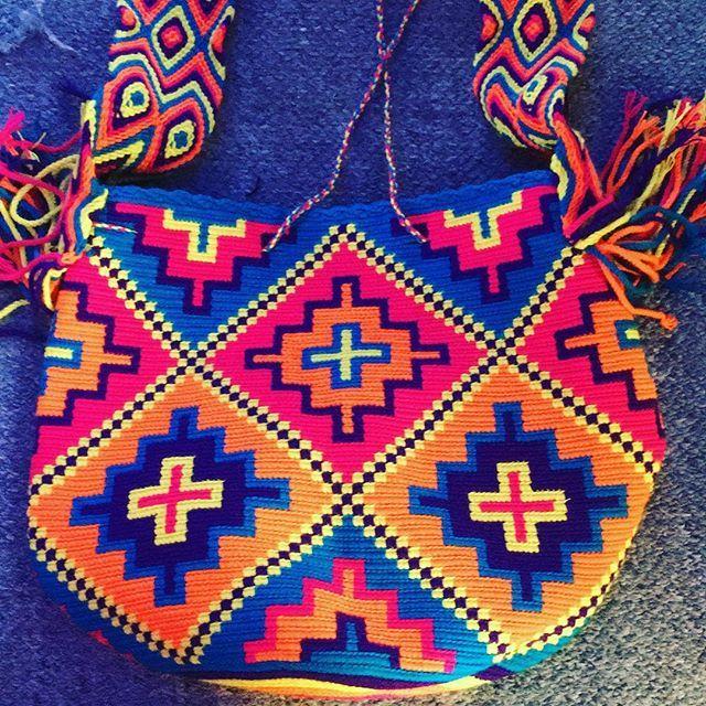 Los colores de @wayuuworld #sydney #australia #fashionista #fashionblogger #outfit #outfitoftheday #stylediaries #streetstyleluxe #fashiondaily #streetstyle #fashionaddict #inspiration #lookoftheday #fashiondiaries #fashiongram #santamonica #bali #moscow #sydneyblogger #sydneyfashionblogger #hat #chilabag #mochila #wayuubag