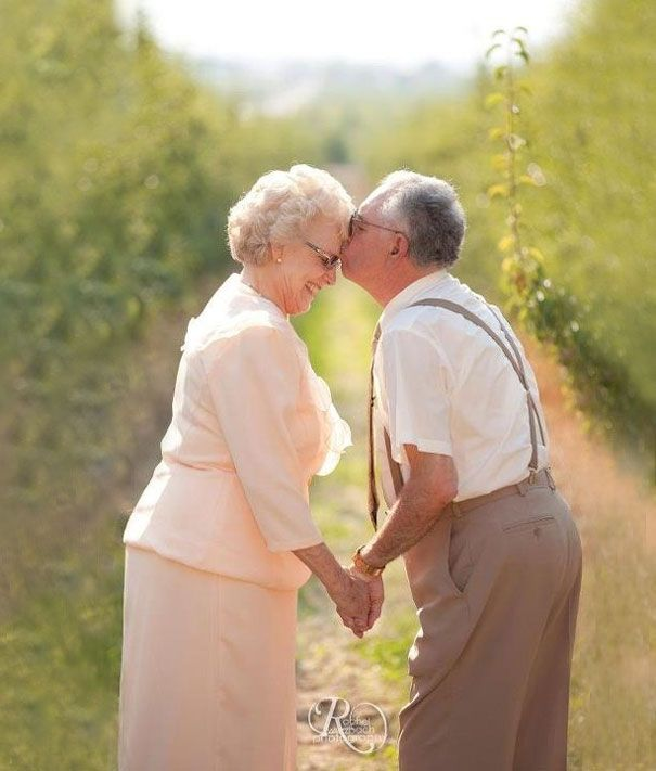 Wedding Anniversary Gifts For Older Couple : Elderly Couple Getting Married. Senior-Couple-Love Elderly-Couple ...