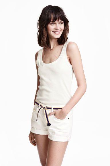 Dżinsowe szorty z paskiem | H&M