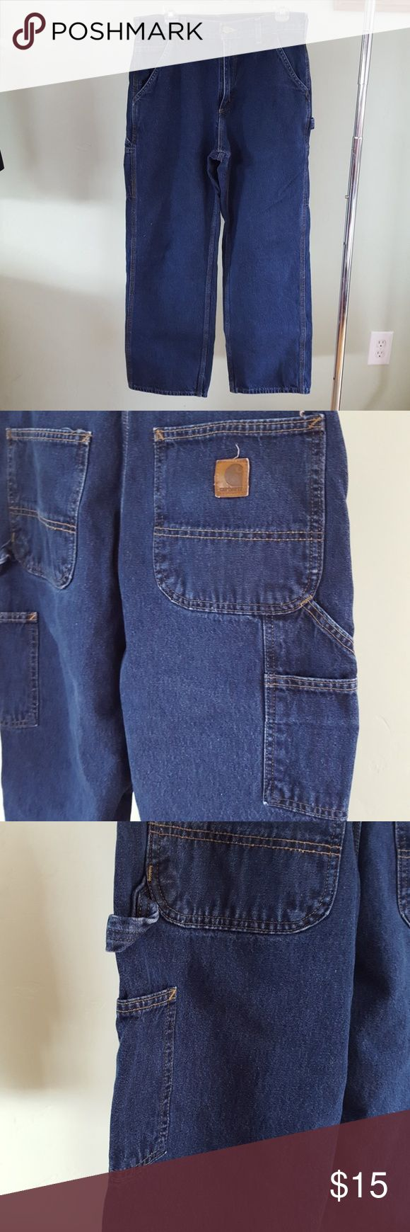 MENS CARPENTER CARHARTT JEANS EUC! These carhartt jeans are carpenter style. Loose fit jeans. Size 32x30. No signs of wear/fraying on the leg hem! Very small flaw NOT NOTICEABLE on front of pant leg. Please see all photos of this GREAT pair of jeans. No stains or odors. Smoke free pet free home. *This item also available on Merc. Carhartt Jeans