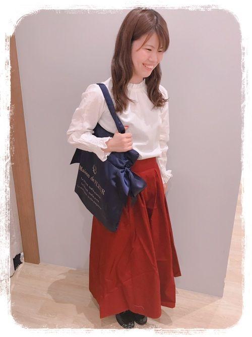 テーマ✴︎ピアノのレッスンへ🎹 フリルのハイネックブラウスに ロングスカートでお嬢様コーデ👑 ス