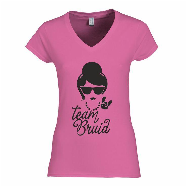 Team Bruid - Vrijgezellenfeest T-shirt - bestel hier: http://www.digitransfer.info/shop/dames-t-shirt-v-hals-vrijgezellenfeesten-2776#2776_2255