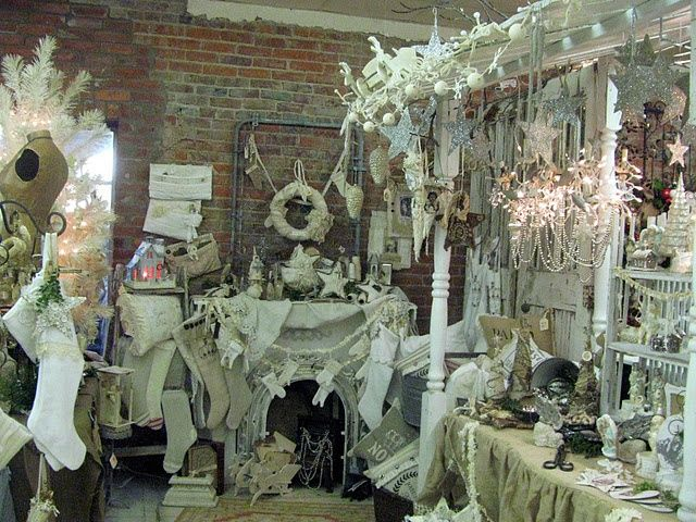 flea market display: White Christmas - SO inviting.  Makes me want to shop there!