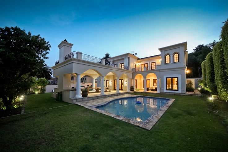 4 bedroom house for sale in Bryanston - Unbeatable Location.