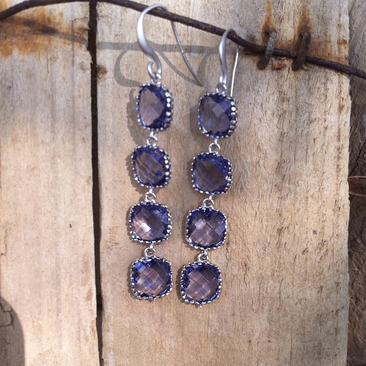 Earrings. Lavendel and Rhodium.