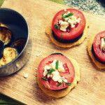 Aperitivos Fríos: Montaditos de berenjena y tomate