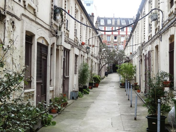 LES PLUS BELLES RUES SECRÈTES DE PARIS