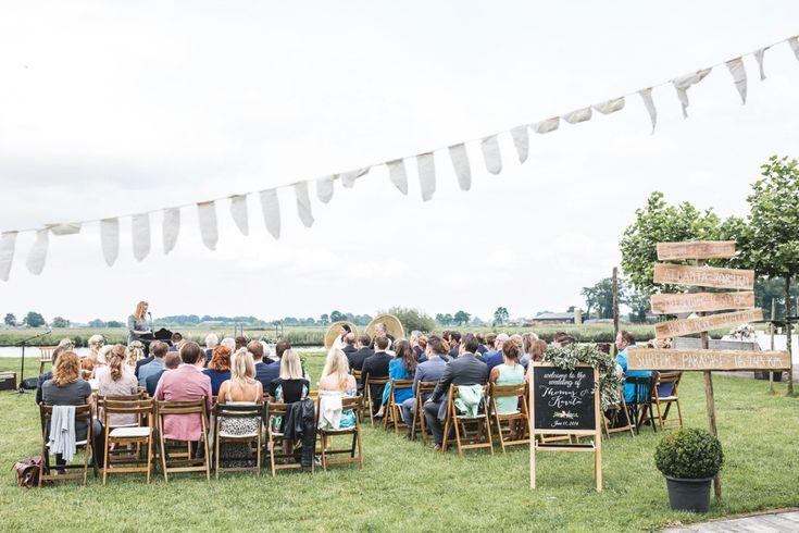 Rustieke barn wedding Thomas & Kavita bij de Kleine Melm in Soest door Nienke van Denderen Fotografie-30