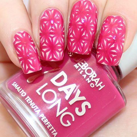 Demelza's Worldha realizzato l'ultima nail art prima delle vacanze estive con gli smalti 7Days Long! Scoprite qui come riprodurla:http://bit.ly/1SjuSJx #nails #nailart #beauty #instabeauty #instaday #smalto #smaltodelgiorno