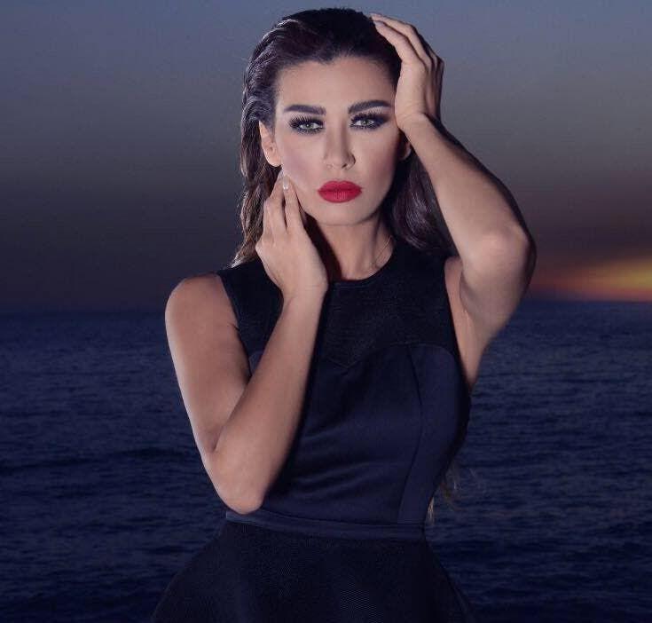 نادين الراسي تحتفل بعيد ميلادها بالبكيني وبأحضان خطيبها والجمهور يهاجمها Fashion Sleeveless Dress Sleeveless