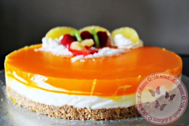 Torta fredda allo yogurt con purea di ananas  Recipe: http://ildolcemondodipaoletta.forumfree.it/?t=66735404