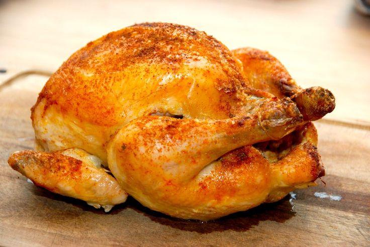 Langtidsstegt kylling i ovn med brød i maven