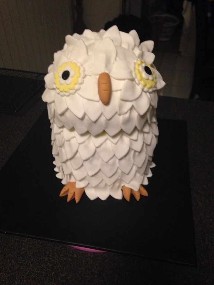 Harry Potter owl cake