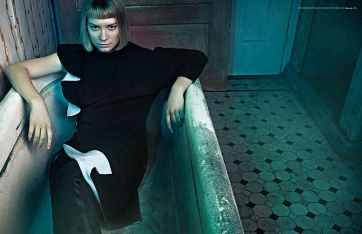 this appears to be from w korea as well mia wasikowska in a bathtub fully clothed movies. Black Bedroom Furniture Sets. Home Design Ideas