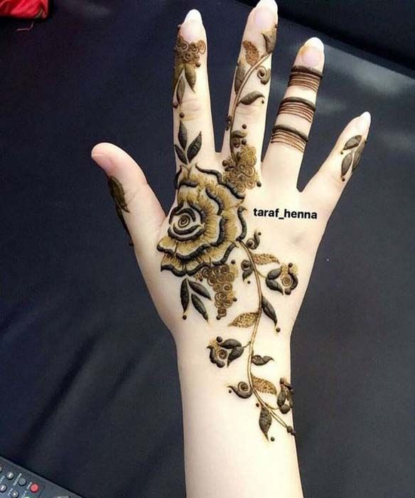 A beautiful veil design for hint of mehendi on your hand