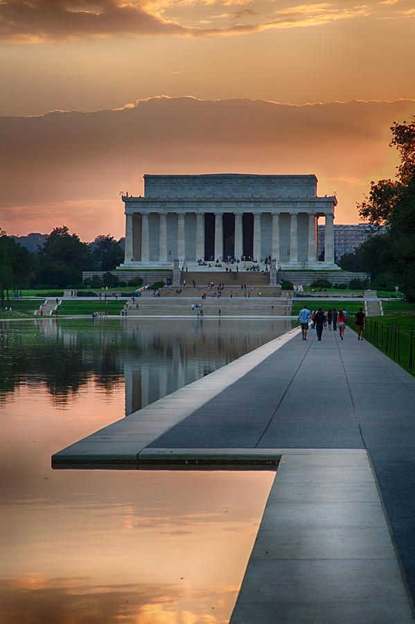 Beautiful pic of the Lincoln Memorial Washington, DC OH MY GOSH!!! 1 WEEK TOMORROW TIL I GO TO WASHINGTON!!
