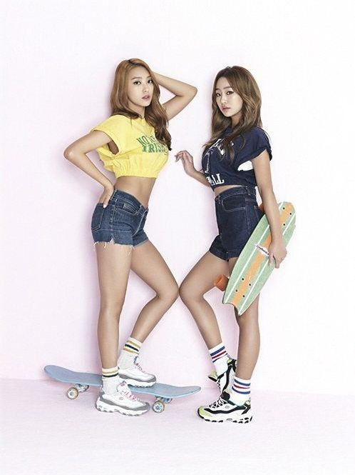 SISTAR members Bora and Hyorin in Skechers D'lites Ad Campaign