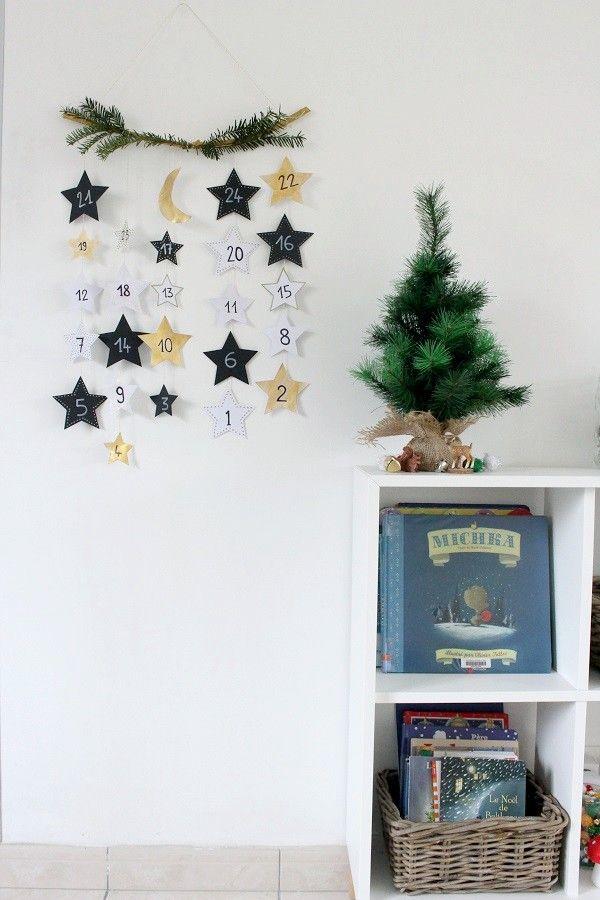 Calendrier de l'Avent Maman Nougatine : étoiles noires et dorée, lune, sapin #calendrier #avent #calendrieravent #mamannougatine #diy #faitmaison #lune #moon #etoile #sapin