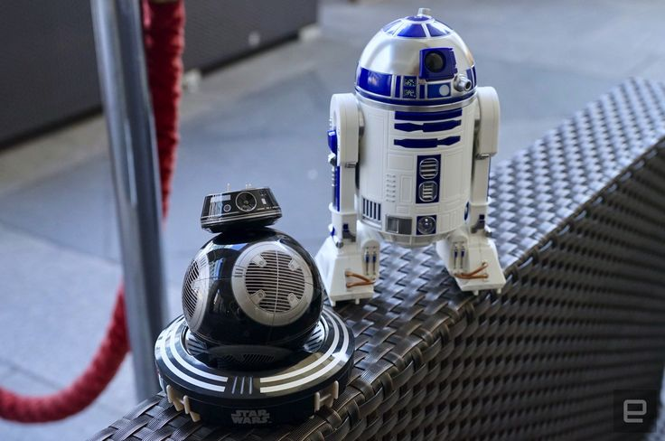 Meet R2-D2 and BB-9E, Sphero's new 'Star Wars' toys - http://www.sogotechnews.com/2017/08/31/meet-r2-d2-and-bb-9e-spheros-new-star-wars-toys/?utm_source=Pinterest&utm_medium=autoshare&utm_campaign=SOGO+Tech+News