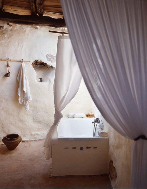 mediterraneanfeel: Rustic house in Formentera