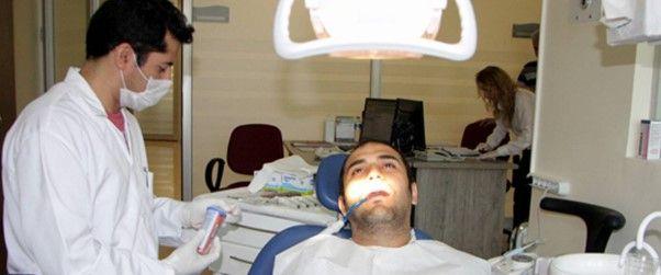 Ülkemizdeki hastane iyileştirme ve kaliteli hizmet verme çalışmaları diş hastaneleri için de hızla devam etmektedir. Diş hastanesi poliklinik sayıları hem özelde hem de devlette artarak devam etmektedir.