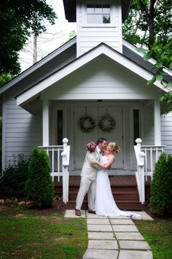 Newlyweds kissing at their Bluff Mountain Inn wedding in the Smoky Mountains. Click here for more from http://bluffmountaininn.com