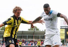20-Jul-2014 17:29 - PSV BOEKT NIPTE WINST IN OEFENDUEL MET LIERSE SK. PSV heeft het oefenduel met Lierse SK nipt gewonnen. Het team van Phillip Cocu versloeg de ploeg van de Nederlandse trainer Stanley Menzo.